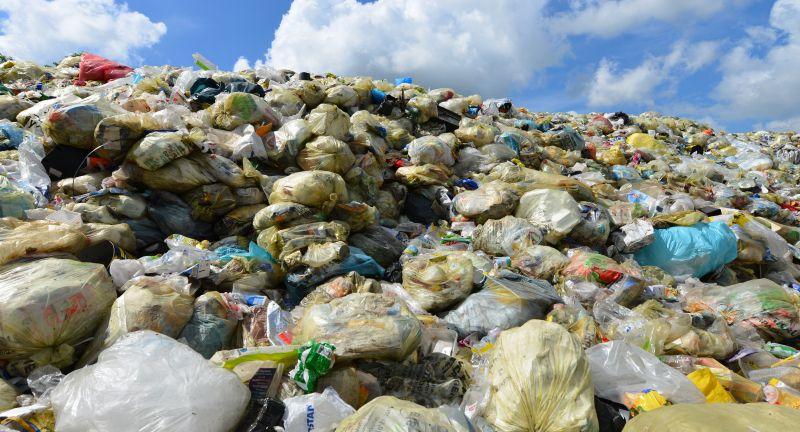 müll, plastik, müllhalde, müllkippe, deponie, plastikmüll, verpackungen, grüner punkt, recycling, umweltschutz, umwelt, verwertung, müllverwertung, wertstoff, rückgewinnung, entsorgung, abfall, abfälle, müllentsorgung, kommune, müllabfuhr, stadtwerke, müllrecycling, mülltrennung, müllberg, schrott, recyclinghof, kehricht, unrat, restmüll, abfallwirtschaft, müllvermeidung, wiederverwendung, beseitigung, aufbereitung, sortierung, sondermüll, schadstoffe, verpackung, verpackungsmüll, verwerten, entsorgen, kommunal, trennen